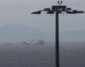 Ακυβέρνητο πλοίο λόγω ισχυρών ανέμων στο λιμάνι του Πειραιά