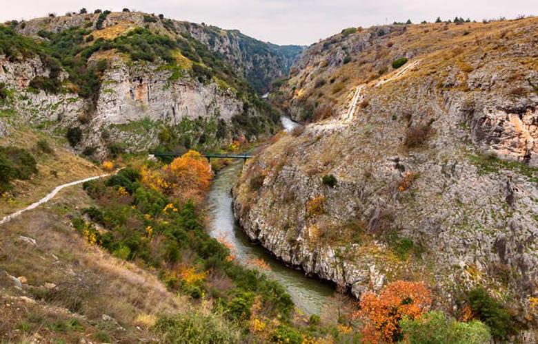 Αγγίτης ποταμός και σπήλαιο