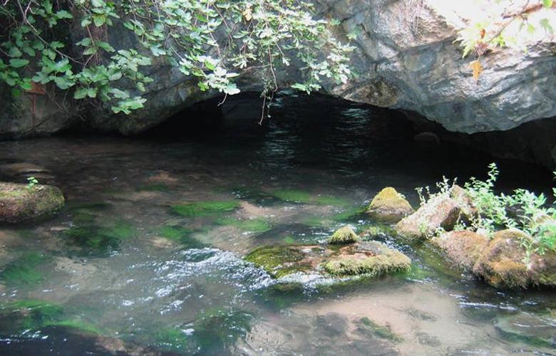 Σπήλαιο Αγγίτη ποταμού μεγαλύτερο ποτάμιο σπήλαιο