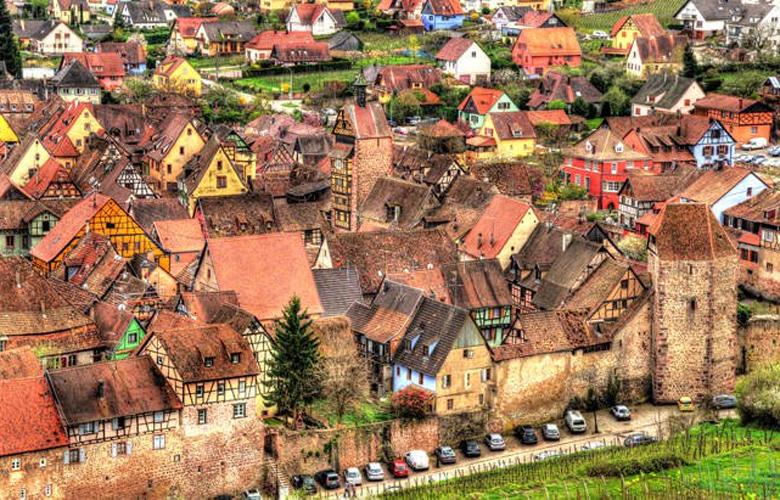 Ρικβίρ, ένα μεσαιωνικό χωριό που διατηρεί ακόμα την παλιά του γοητεία
