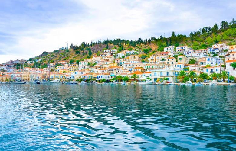 Πόρος, μια γαλήνια θαλασσινή πολιτεία