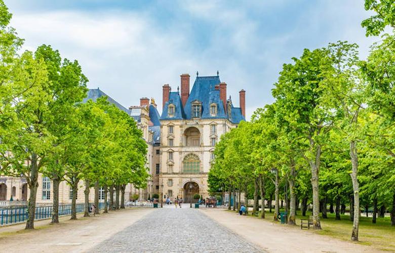 Ανακαλύψτε την αριστοκρατική πόλη Φονταινεμπλό στη Γαλλία 3