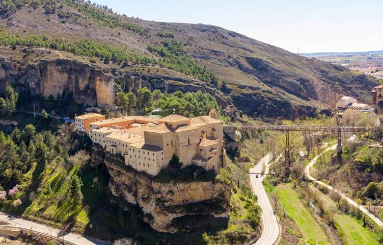 Κουένκα, η πόλη με τα ρωμαϊκά ερείπια, τους γοτθικούς πύργους και τα κρεμαστά σπίτια
