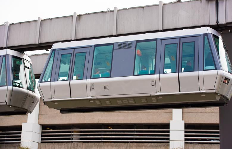 Το εναέριο τρένο στο αεροδρόμιο του Ντίσελντορφ