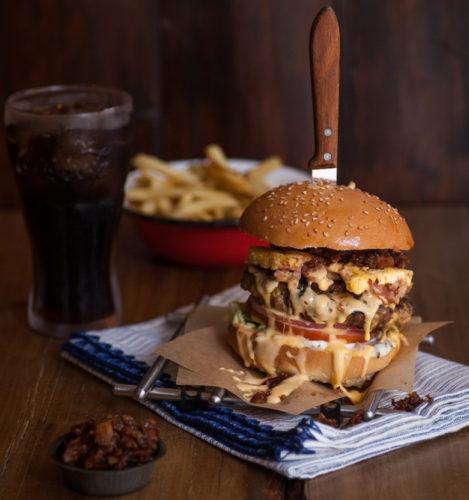 Τα Pax Burgers τώρα και στην Αθήνα