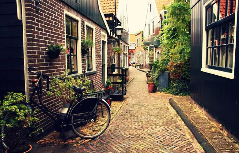 Volendam, ταξίδι στο «στέκι» του Πικάσο και του Ρενουάρ 3