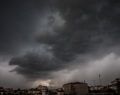 Η νέα κακοκαιρία «Ορέστης» φέρνει καταιγίδες και κρύο