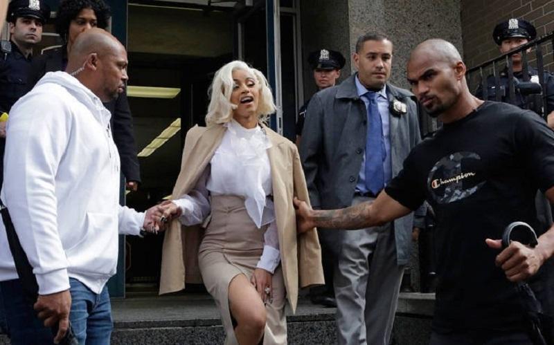 Συνελήφθη για καυγά σε στριπτιζάδικο η ράπερ Cardi B
