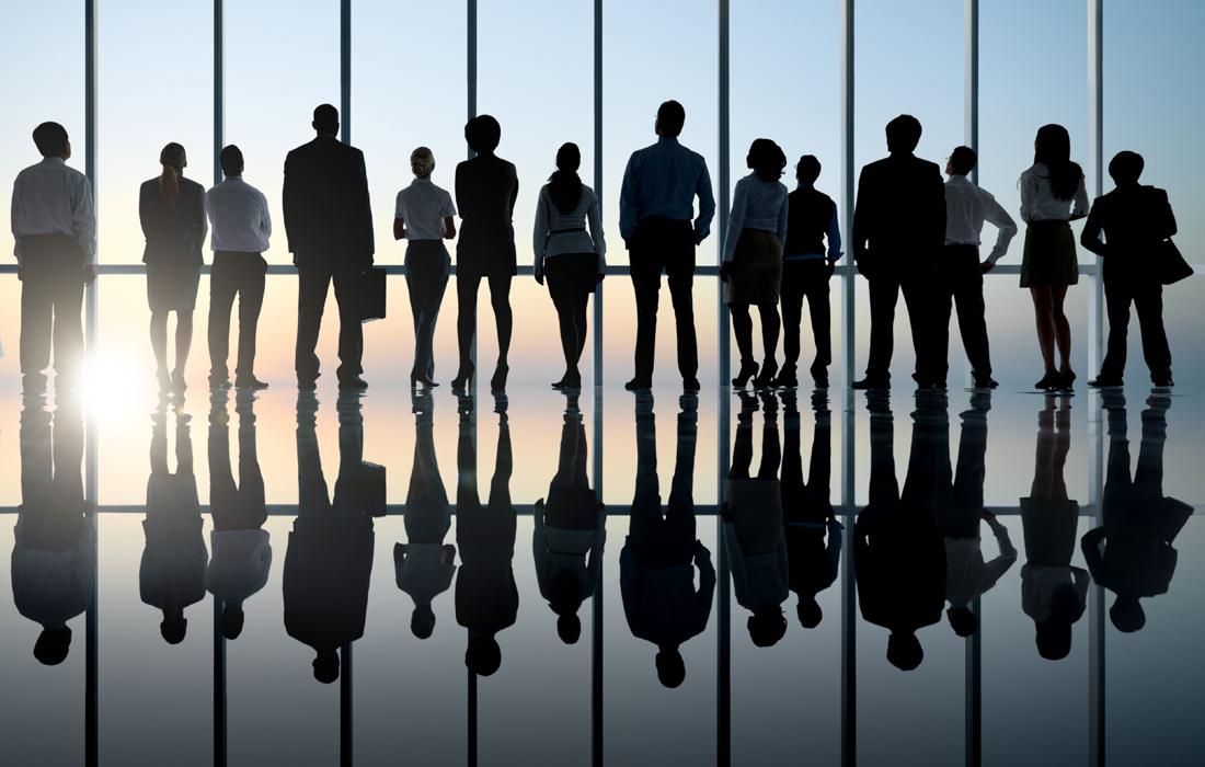 Η πανδημία φέρνει ανατροπές σε μισθούς και εργασιακές σχέσεις – 1,7 εκατ. εργαζόμενοι απειλούνται με μειώσεις μισθών