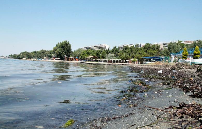 Σε αυτές τις ακτές της Αττικής δεν επιτρέπεται η κολύμβηση