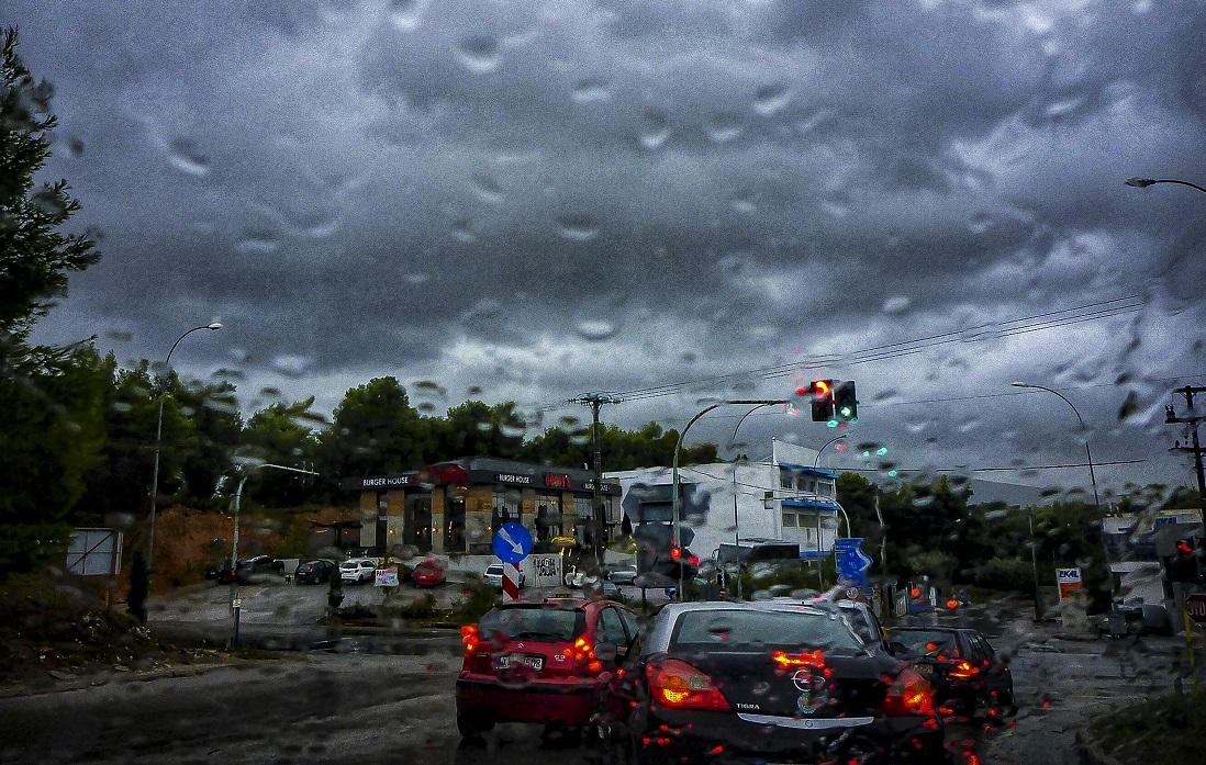 Έκτακτο δελτίο επιδείνωσης του καιρού: Έρχονται βροχές, χαλάζι και χιόνια!