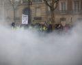 Νέες βίαιες συγκρούσεις στο Παρίσι: «Μακρόν παραιτήσου!»