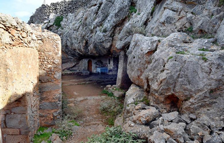 Η Σπηλιά της Αρκούδας ή της Παναγίας Αρκουδιώτισσας στα Χανιά