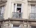 Εικόνες Marfin στο Παρίσι – Μητέρα με μωρό εγκλωβίστηκαν σε τράπεζα που καιγόταν