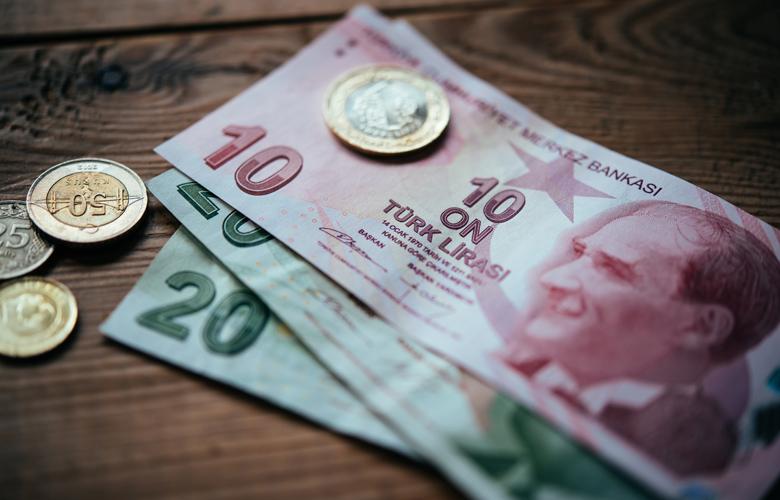 Νέα βουτιά της τουρκικής λίρας