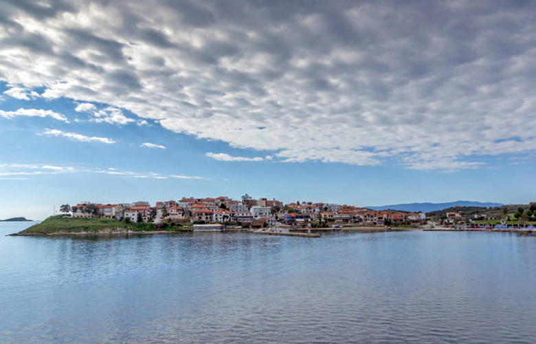 Σαν την Αμμουλιανή δεν έχει! Ένα νησάκι όαση στην Χαλκιδική – News.gr