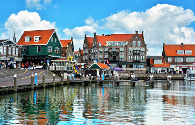 Volendam, το δημοφιλές τουριστικό αξιοθέατο της Ολλανδίας – News.gr