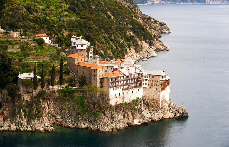 Μοναχός του Αγίου Όρους προσβλήθηκε από κοροναϊό