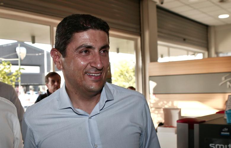 Ο Λευτέρης Αυγενάκης καλεί σε συνάντηση την ΠΑΕ Ολυμπιακός!