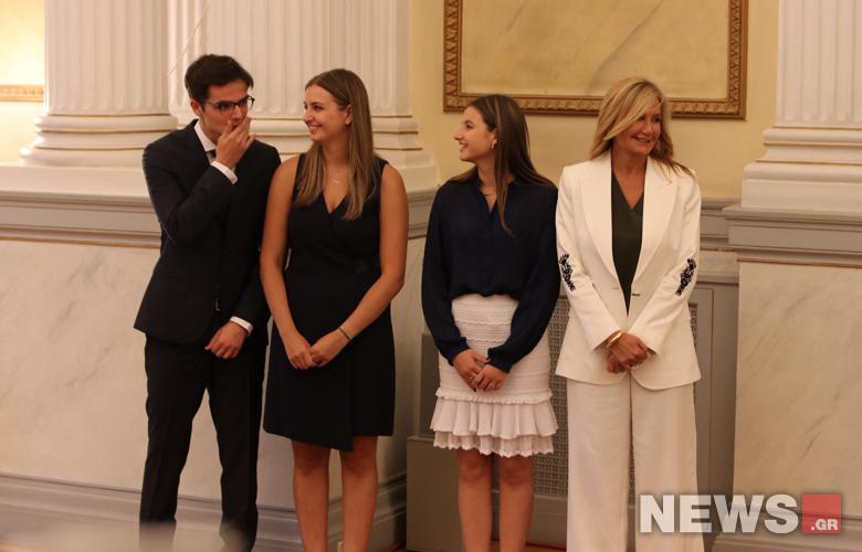 Φωτογραφίες από την οικογένεια Μητσοτάκη στο Προεδρικό Μέγαρο – News.gr