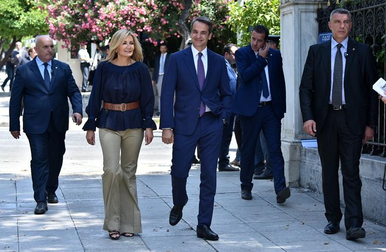 Ορκίστηκαν τα μέλη της νέας κυβέρνησης – News.gr
