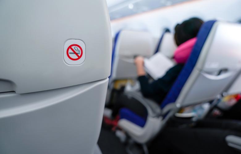 Κοροναϊός: Όχι κενές θέσεις στα αεροπλάνα – Αυτή είναι η πρόταση της Κομισιόν για τις πτήσεις 1