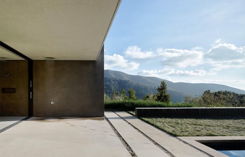 Η έπαυλη των 370 τετραγωνικών που μοιάζει με ορεινό καταφύγιο – News.gr