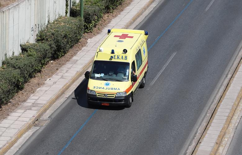 Χωρίς τις αισθήσεις του ανασύρθηκε ο άνδρας που καταπλακώθηκε από ασανσέρ στο Παγκράτι