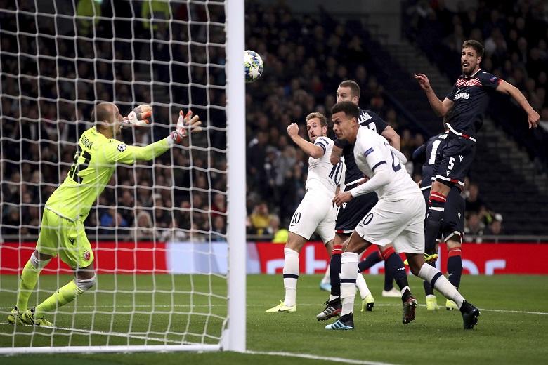 Champions League: Η Τότεναμ συνέτριψε τον Ερυθρό Αστέρα με 5-0