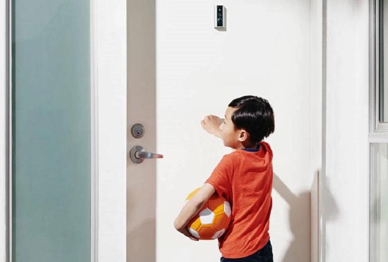 Για να θωρακίσεις το σπίτι σου με κάμερες ασφαλείας και έξυπνα φώτα αυτό είναι το ποσό