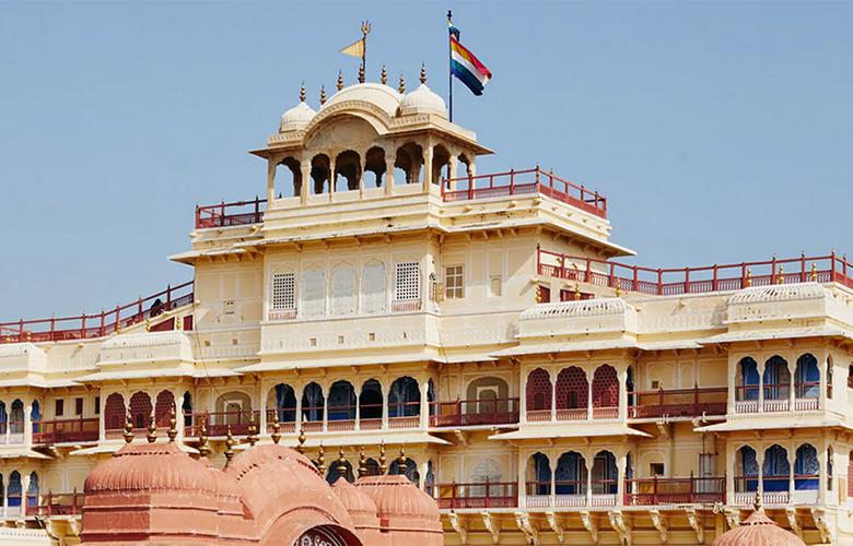 Η βασιλική οικογένεια του Τζαϊπούρ νοικιάζει σουίτα στο παλάτι της μέσω Airbnb