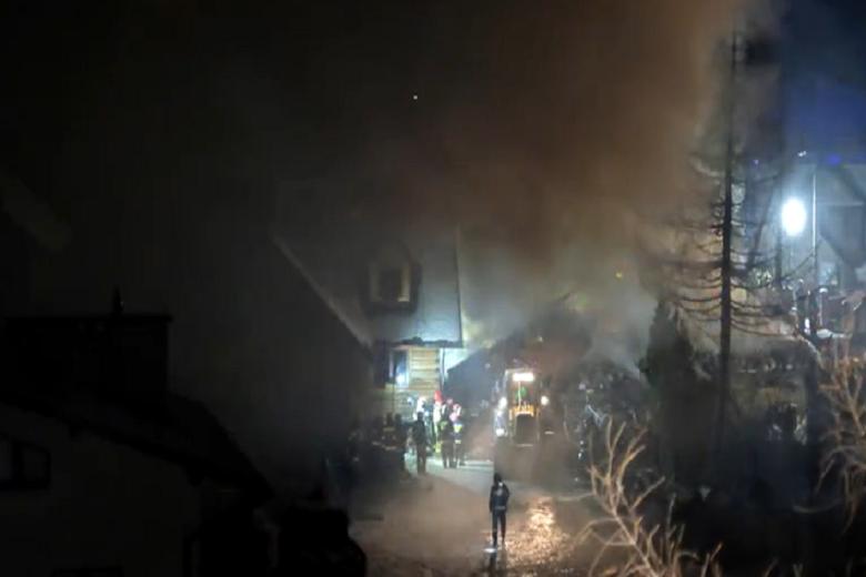 Πολωνία: Κατέρρευσε τριώροφο κτήριο σε χιονοδρομικό κέντρο! (Βίντεο)