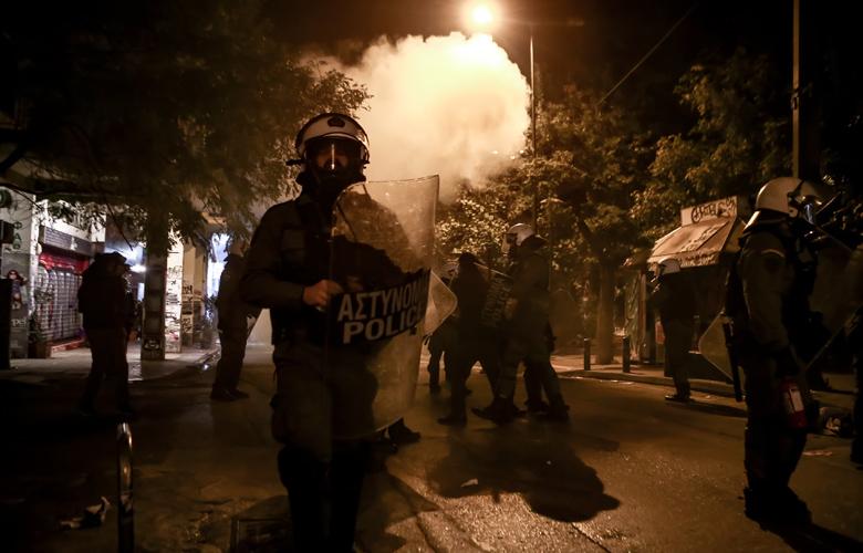 Επέτειος Γρηγορόπουλου: Δεκάδες προσαγωγές και συλλήψεις στα Εξάρχεια