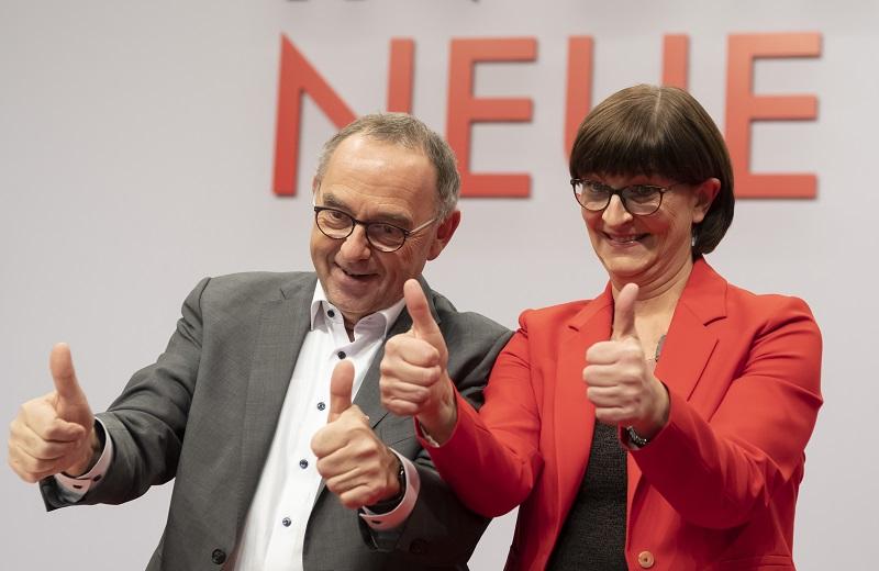 Παραμένει στην κυβέρνηση της Γερμανίας το Σοσιαλδημοκρατικό Κόμμα (SPD)