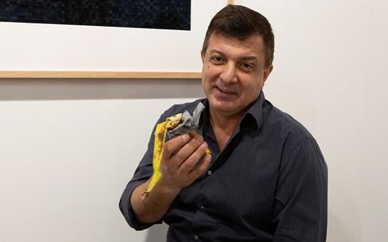 Έφαγε μπανάνα-έκθεμα σε γκαλερί στο Μαϊάμι
