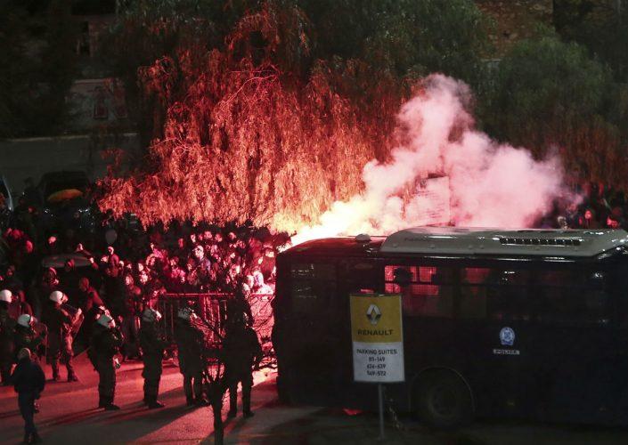 Επεισόδια λίγο πριν το ντέρμπι Ολυμπιακού-Παναθηναϊκού – News.gr