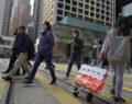 Κοροναϊός: Ληστές με την απειλή μαχαιριού άρπαξαν 600 χαρτιά υγείας από διανομέα