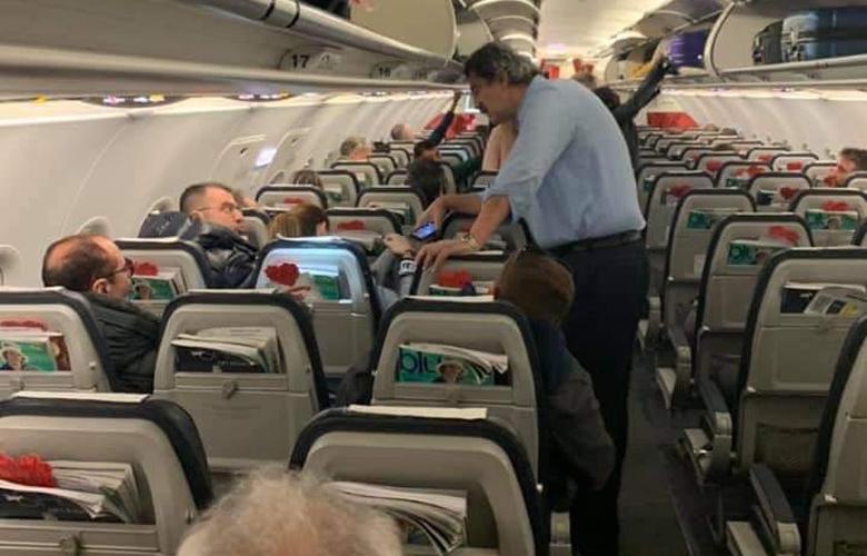 Έντονο φραστικό επεισόδιο Πολάκη - Κουρτάκη μέσα στο αεροπλάνο!
