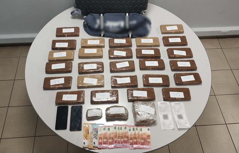Θα «έριχναν» στα στέκια των ναρκωτικών στη Θεσσαλονίκη 13 κιλά ηρωίνης!