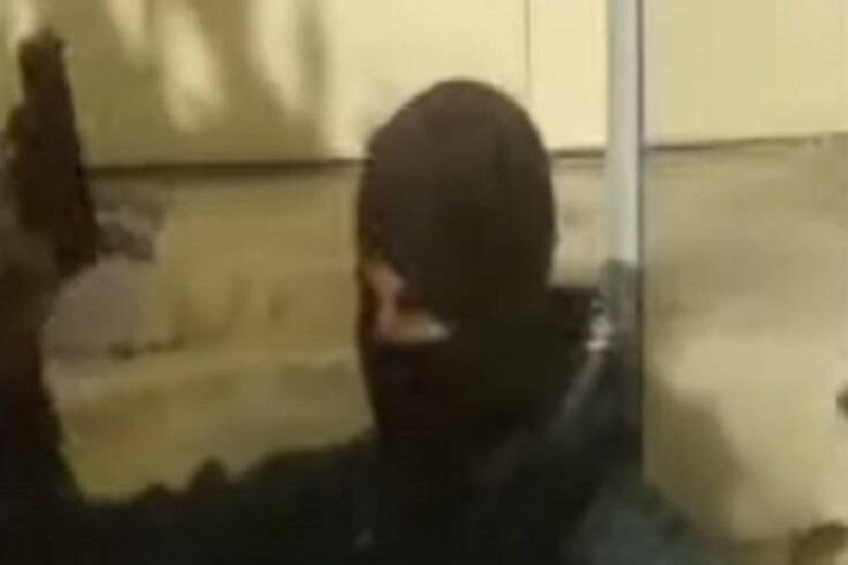 Βίντεο–Ντοκουμέντο με τον αστυνομικό που έβγαλε όπλο στην ΑΣΟΕΕ!