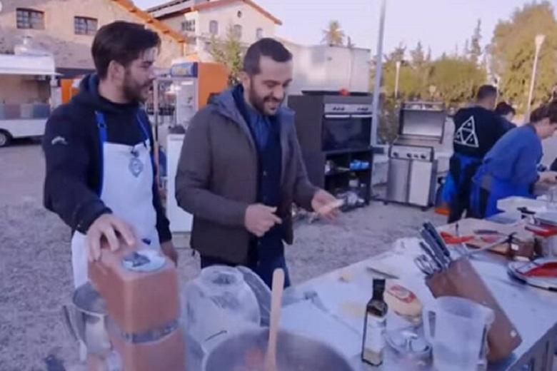 MasterChef 4: Ο Λεωνίδας Κουτσόπουλος έσωσε τη δοκιμασία