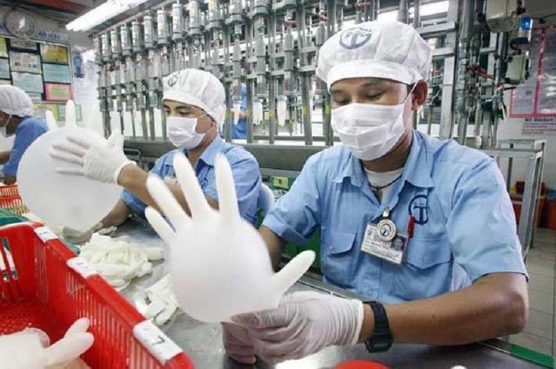 Κοροναϊός: Η αυξημένη ζήτηση «μπλόκαρε» τον μεγαλύτερο παραγωγό ιατρικών γαντιών