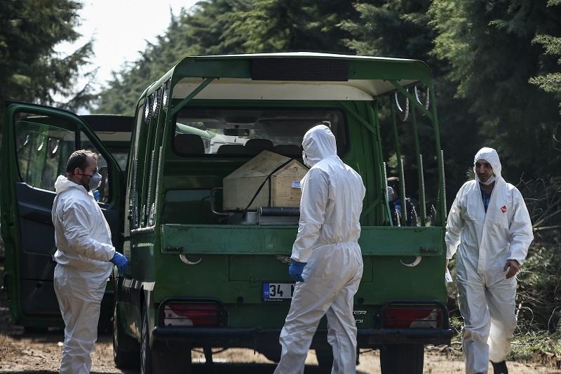 Τουρκία: Έκοψαν γιατρό στον «αέρα» επειδή μίλησε για 900.000 κρούσματα κοροναϊού