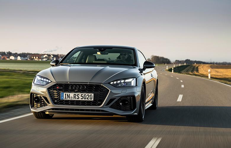 Τα νέα Audi RS 5 Coupé και Sportback εντυπωσιάζουν με hi-tech σχεδιασμό