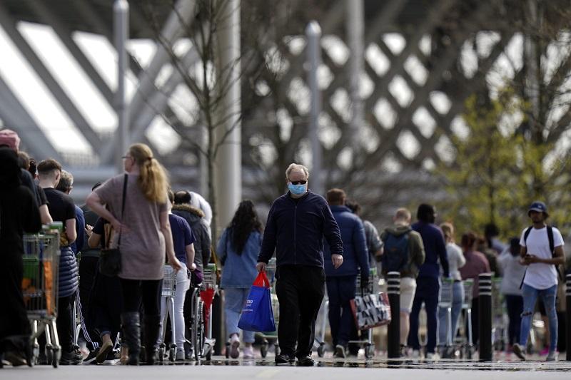 Στη Βρετανία χωρίς καραντίνα ταξιδιώτες από αρκετούς προορισμούς