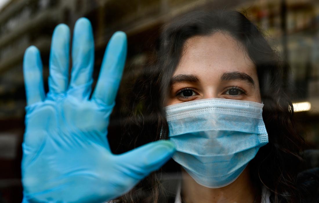 Κοροναϊός: Το «σύνδρομο της ραγισμένης καρδιάς» που έφερε η πανδημία