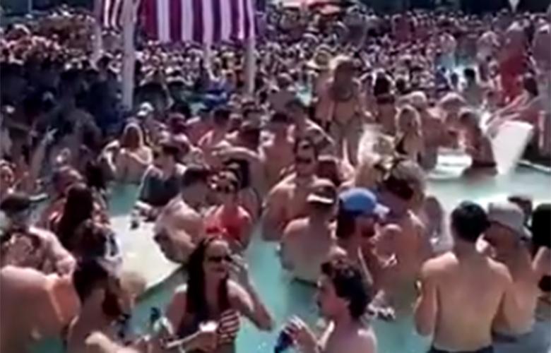 Σάλος από το βίντεο με το πάρτι εκατοντάδων ατόμων σε πισίνα στις ΗΠΑ