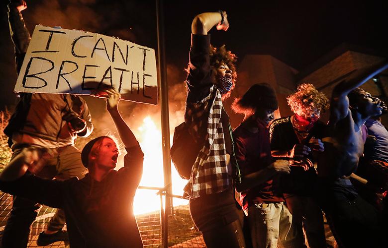 Ομπάμα: Δεν μπορεί να είναι «κάτι φυσιολογικό» ο θάνατος του Φλόιντ