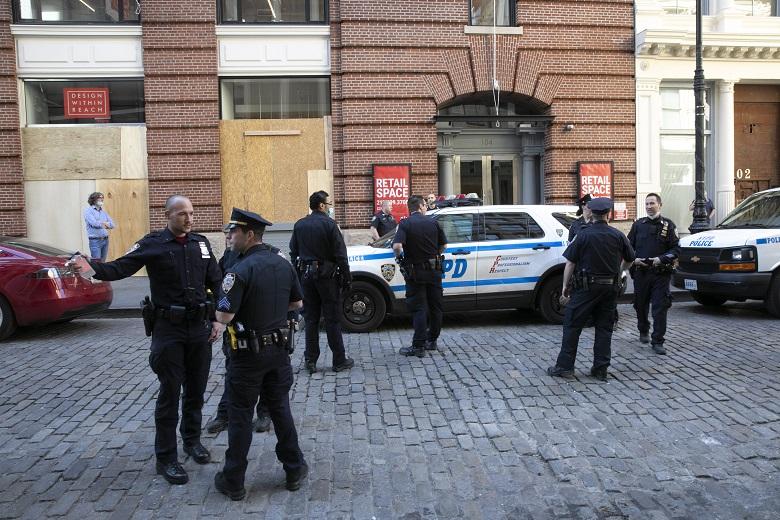 Χάος στις ΗΠΑ: Απαγόρευση κυκλοφορίας στη Νέα Υόρκη