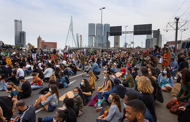 Ολλανδία: Ζήτησαν από τους διαδηλωτές για τον θάνατο Φλόιντ «να πάνε σπίτι»